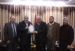 الاكاديمية تكرم وزارة الاوقاف والشؤون الدينية لدورها في انجاح فعاليات المؤتمر
